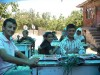 Gemeinsames Essen im Dorf am Samstag